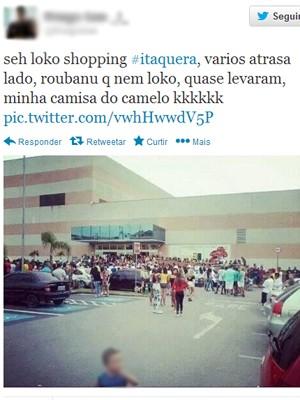 Multidão em frente ao Shopping Metrô Itaquera (Foto: Reprodução Twitter)