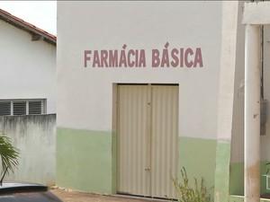 Moradores dizem que faltam medicamentos no posto do centro da cidade (Foto: Reprodução/TV Mirante)