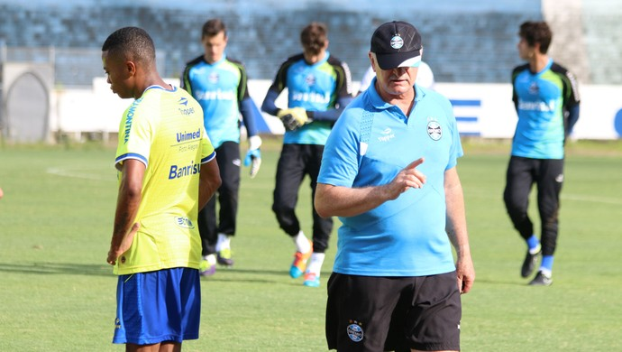 Felipão dá treino específico para Erik (Foto: Diego Guichard)