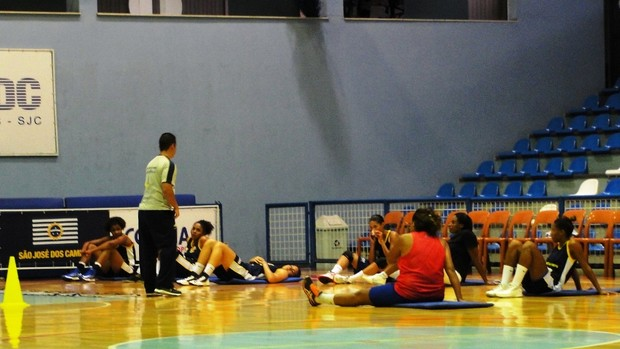 São José basquete feminino (Foto: Arthur Costa)