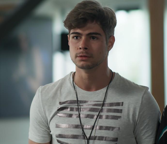 Léo flagra Yasmin e Zac juntos (Foto: TV Globo)