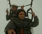 Vídeo mostra pânico em voo de parapente (Reprodução)