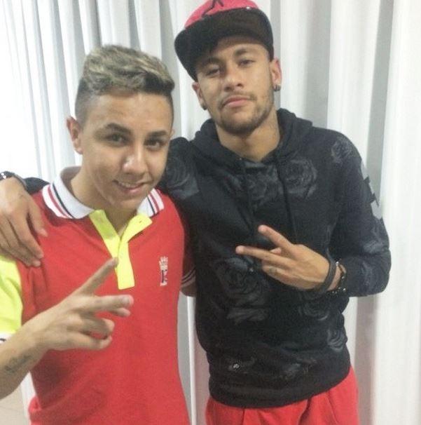Neymar e fã (Foto: Instagram / Reprodução)