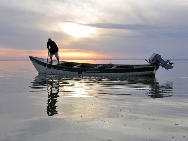 Barco em foto de Kudim Yasser para a exposição Love Letters from Brazil to Iraq (Foto: Kudim Yasser/Divulgação)