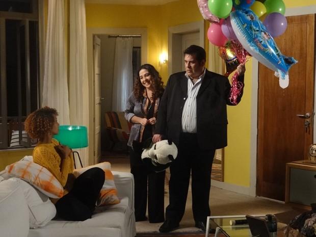 Decepção! Verônica diz que quer Barata como tio e padrinho do bebê (Foto: Geração Brasil/TV Globo)