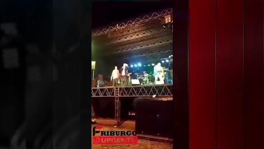 Prefeito de Cantagalo tropeça nas palavras e arranca risadas durante discurso: 'Quem não bebe?', diz