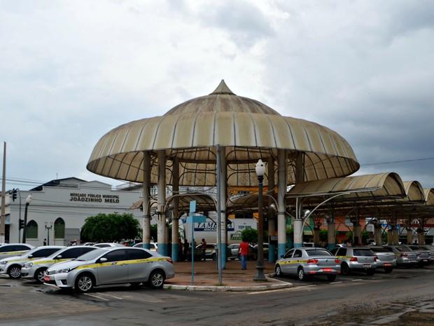 Lei aprovada em abril de 2015 isentan taxistas e mototaxistas do pagamento do IPVA  (Foto: Adelcimar Carvalho/G1)