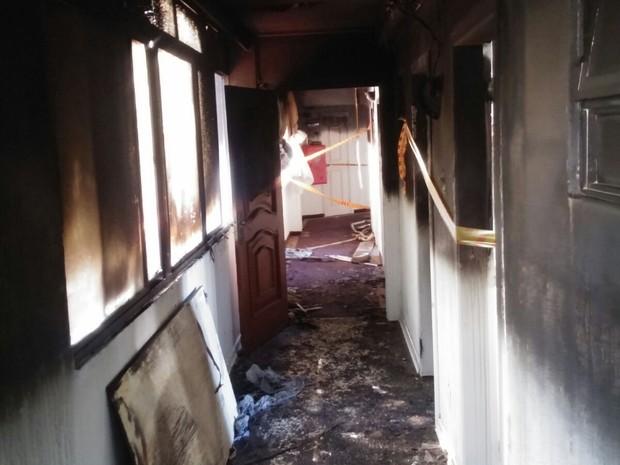 Hotel terá de passar por reforma parcial após incêndio no último domingo (13) (Foto: Maiko Michael de Souza)