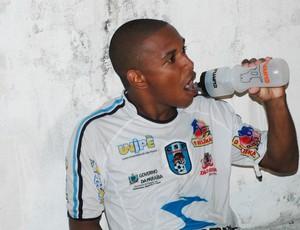 Robertinho, meia do CSP (Foto: Lucas Barros / Globoesporte.com/pb)
