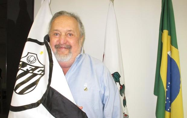 Luis Alvaro Foto bandeira (Foto: Lincoln Chaves)
