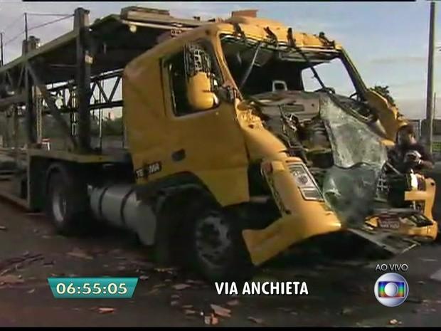 Resultado de imagem para acidente da anchieta são paulo hoje brasil