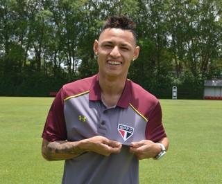 Neilton tem futuro indefinido no São Paulo; jogador não agradou e pode ser negociado