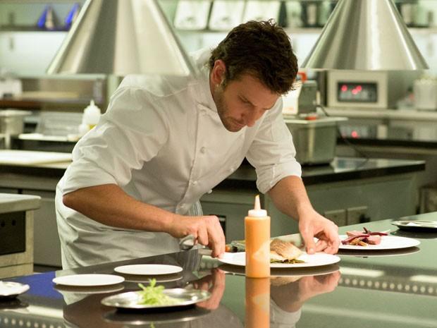 Bradley Cooper em cena de 'Pegando fogo' (Foto: Alex Bailey/The Weinstein Company/AP)