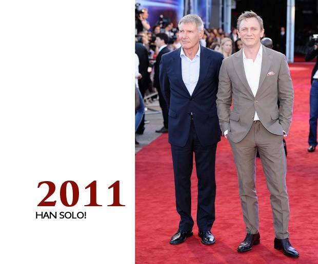 """Um desses homens representam tudo o que o mundo ama ver em suas estrelas; o outro é Harrison Ford. Não é fácil sombrear Han Solo, mas Craig faz uso de um terno de verão na estreia de """"Cowboys & Aliens"""" magnificamente (Foto: GQ)"""