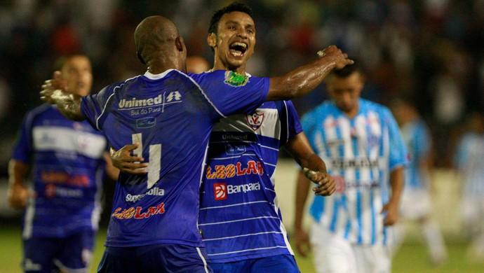 Léo Rosa mostrou categoria nas bolas paradas e marcou o gol de empate do Águia, aos 47 minutos do 1º primeiro (Foto: Tarso Sarraf/O Liberal)