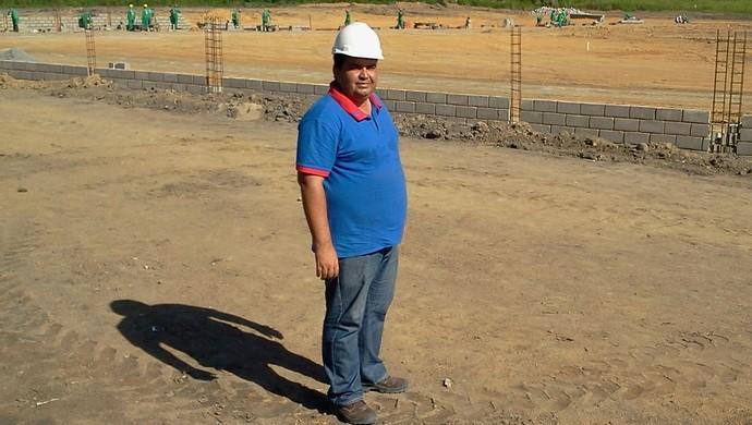 Rodrigo Monteiro está todos os dias acompanhando a construção do Ninho do Galo (Foto: Denison Roma/GloboEsporte.com)