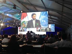 O presidente do IPCC, Rajendra Pachauri, discursa para delegados na COP 20, em Lima (Foto: Eduardo Carvalho/G1)