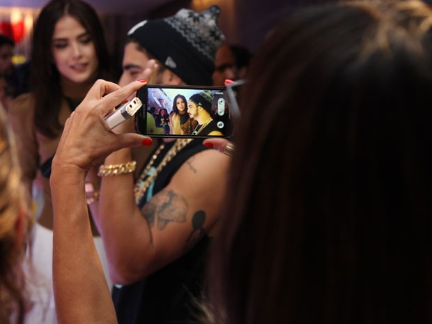 Maria entende o interesse da mídia por sua vida pessoal, mas não contribui para isso (Foto: Fabiano Battaglin/Gshow)