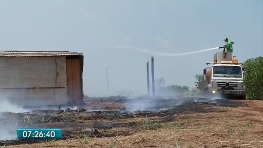 Fogo em fazenda de Bumlai destrói canavial e barracos de sem terras