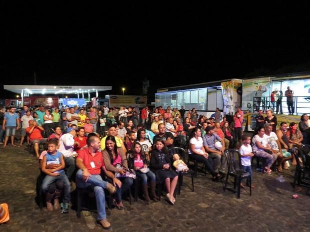 Caravana leva teatro a motoristas em postos de combustíveis pelo Brasil (Foto: Divulgação)