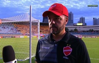 """Rogério Maninci lamenta derrota no final: """"Só acaba quando o juiz apita"""""""