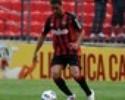 Zagueiro Gustavo 'recupera créditos' com Carrasco e se firma como titular