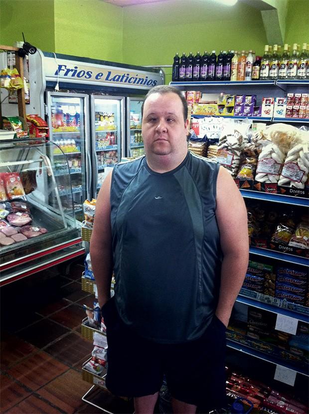 ENGANADO Sinandro Perin Batistel ganha R$ 1.000 num mercadinho e perdeu R$ 30 mil de suas economias (Foto: Anderson Astor/Época)