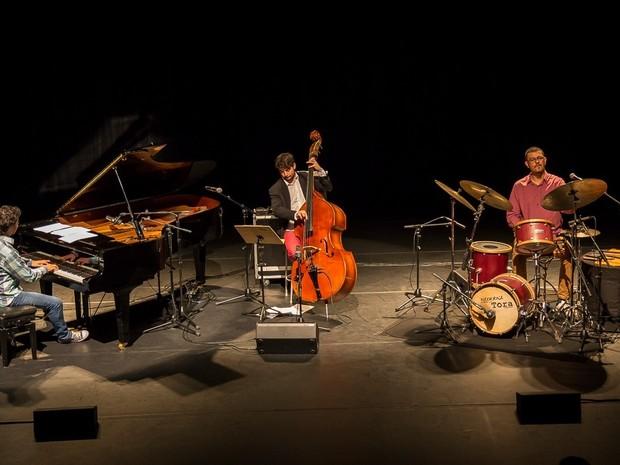 Trio Jabour lança álbum no Sesc de Piracicaba  (Foto: Carolina Lopes)