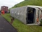 Colisão entre ônibus e carreta deixa  feridos na Rodovia dos Bandeirantes