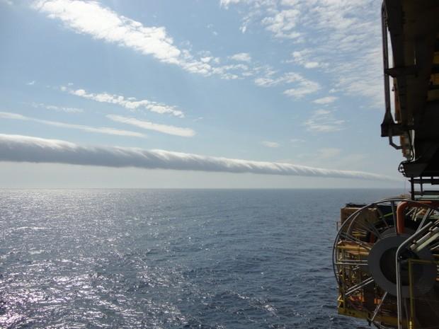 Imagem foi feita por por trabalhadores de uma plataforma de gás natural (Foto: Robson Gomes / VC no G1)