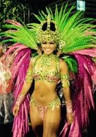 Ex-rainha usa fantasia de R$ 30 mil: 'Justo' (Thiago Brandão / G1)