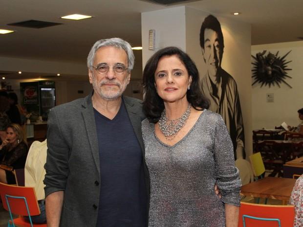 Marieta Severo e Aderbal Freire Filho em prêmio de teatro na Zona Norte do Rio (Foto: Anderson Borde/ Ag. News)