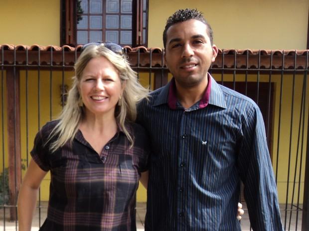 Karine e Marco ficaram amigos após ele ter pago a conta dela (Foto: Arquivo pessoal)