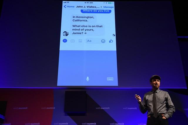 James Vlahos durante sua apresentação no Web Summit (Foto: Stephen McCarthy/Web Summit)