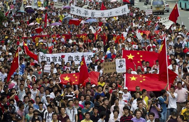Chineses fazem protesto contra o Japão pelas ilhas Diaoyu (Foto: Keita Van/REUTERS)