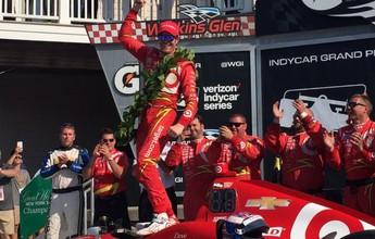 Sem rivais, Scott Dixon vence etapa da Indy. Hélio fica em 3º e Kanaan em 19º