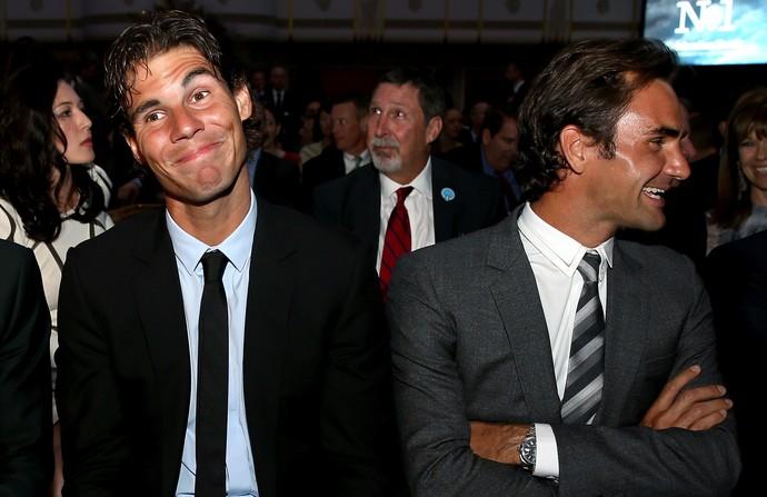 Rafael Nadal e Roger Federer em evento da ATP, em 2013 (Foto:  Matthew Stockman/Getty Images)
