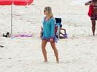 Fiu Fiu! Fiorella Matheis mostra o corpão na praia do Leblon, no Rio