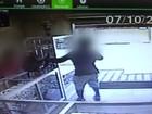 Criminoso armado assalta relojoaria, mas é detido por pedestre em Jaú