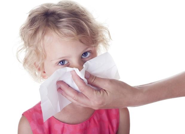 nariz limpar criança  (Foto: thinkstock)