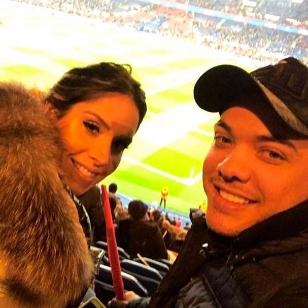 Thyane Dantas e Wesley Safadão passam Valentine's Day vendo jogo de futebol (Foto: Reprodução Instagram)