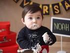 Sandro Pedroso mostra momento fofo do filho, Noah, comendo bolo
