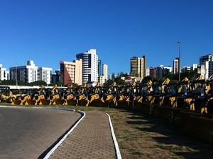 Presidente Dilma Rousseff entrega retroescavadeiras durante visita ao RN (Foto: Fred Carvalho/G1)