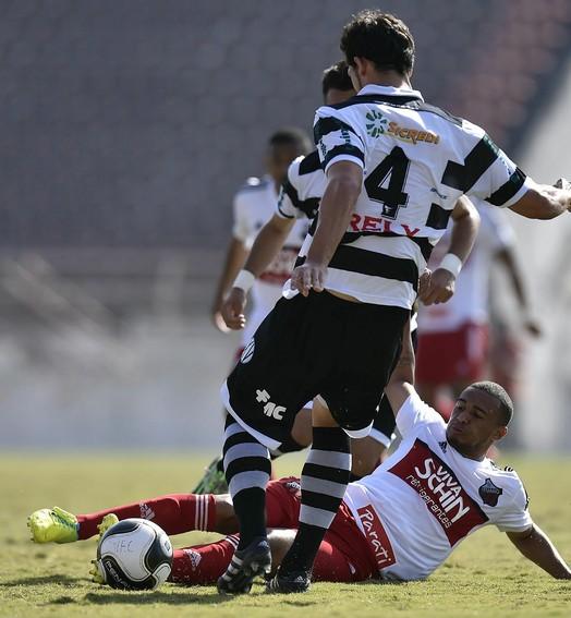 Tropeço (Mauro Horita / Ituano FC)