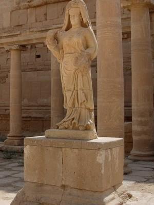As ruínas da cidade de Hatra, no Iraque. Patrimônio está ameaçado pela Estado Islâmico (Foto: Antonio Castaneda/AP)