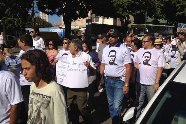 Manifestação para lembrar um ano da morte de Valério Luiz (Foto: Fernanda Borges/G1)