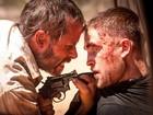 Robert Pattinson surge todo machucado em cena de filme