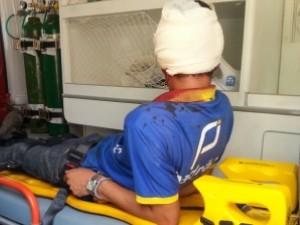 Adolescente teve que ser socorrido por bombeiros e foi levado ao Hugo em Goiás (Foto: Renata Costa/TV Anhanguera)