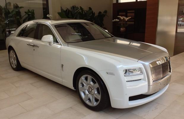 Rolls-Royce Ghost é o modelo de entrada da marca inglesa (Foto: Divulgação)
