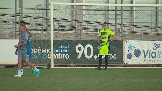 Marcelo Grohe goleiro Grêmio treino (Foto: Reprodução / RBS TV)
